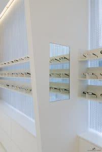 Expositor de gafas. Óptica Tu Visión II, en Ponferrada, León