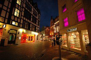 Los mejores locales comerciales al alcance de los emprendedores. Imagen Carnaby Street London. Ivan Cotado Diseño de Interiores. A Coruña.