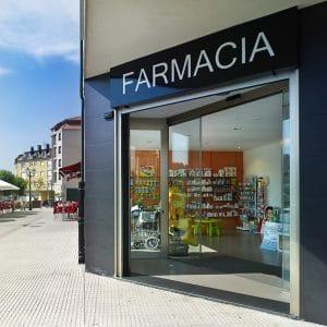 Farmacia en Betanzos, Coruña. Por Iván Cotado