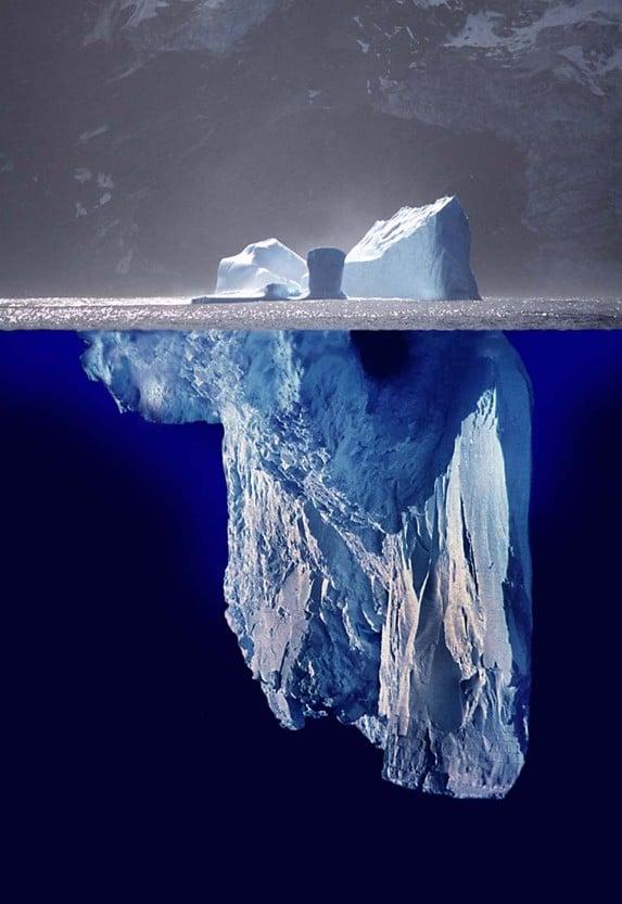 Iceberg. Solo una octava parte de un iceberg es visible en superficie.