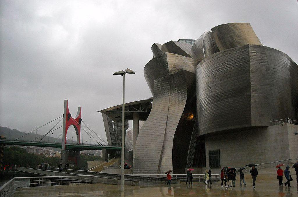 Bilbao invirtió en arquitectura. Otras ciudades gastaron en mamotretos