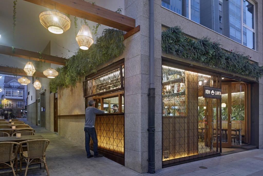 Barra take away en diseño de restaurante Koh Lanta en A Coruña (Galicia)