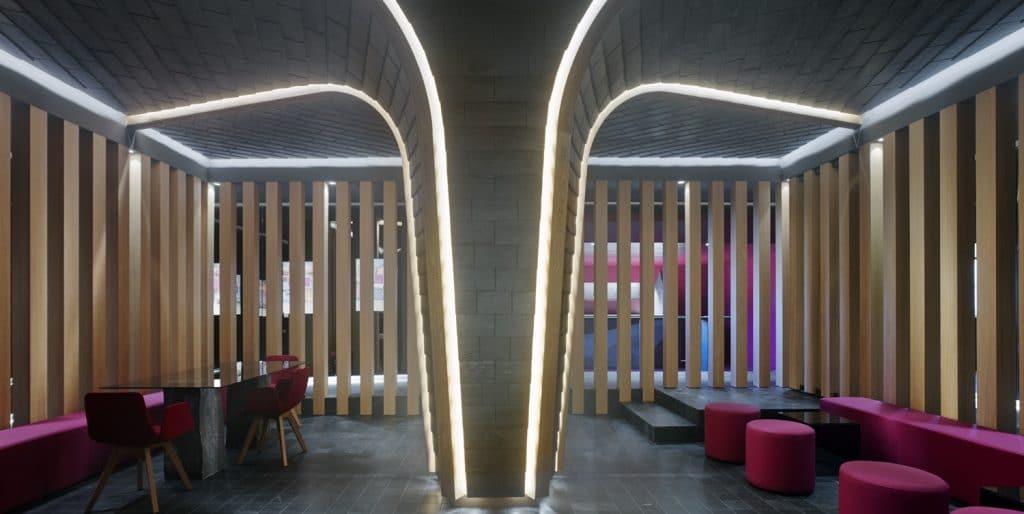 Árbol de pizarra con valores en showroom de Cupa Pizarras en Galicia