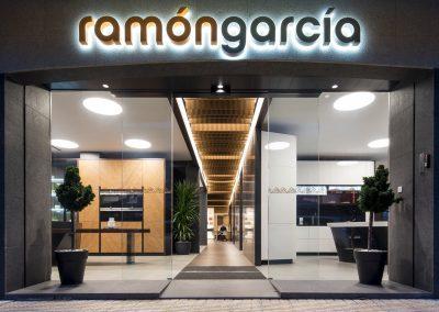 Diseño de showroom de cocinas para Grupo Ramón García